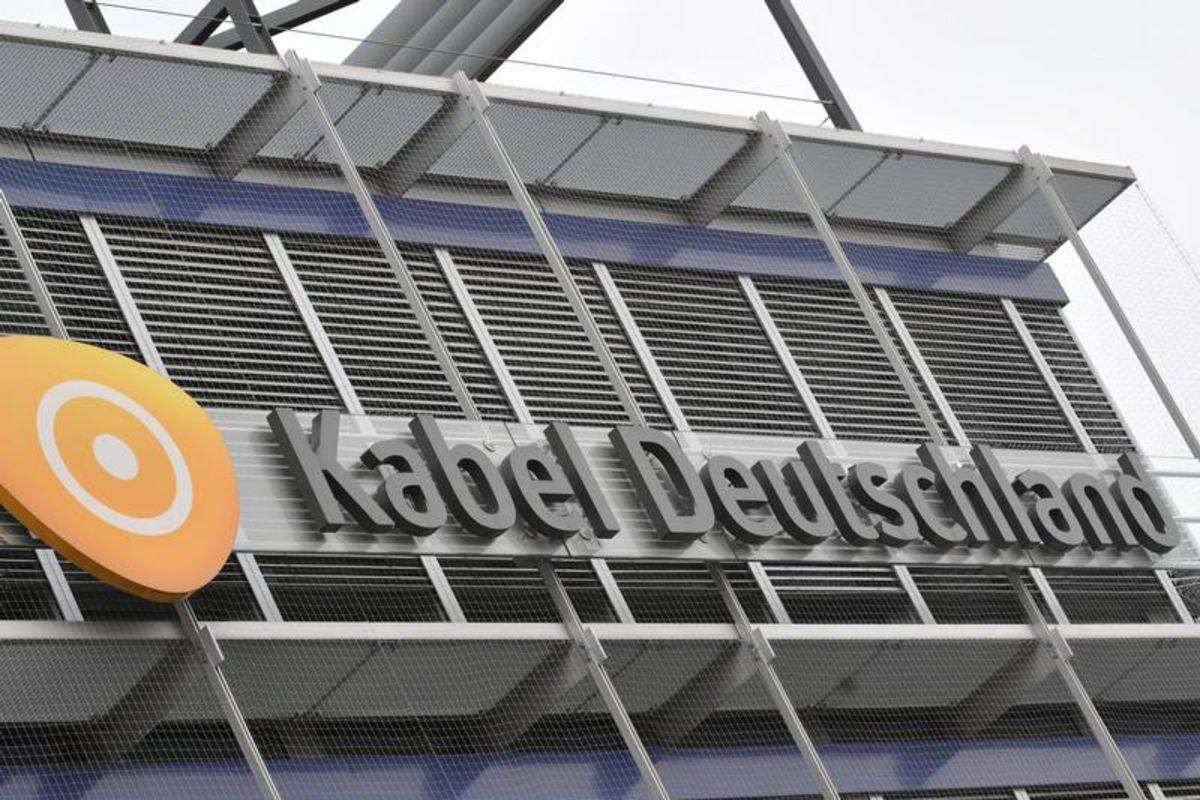 vodafone zieht bei kabel deutschland bernahmeschlacht mit liberty gleich finanzen100. Black Bedroom Furniture Sets. Home Design Ideas