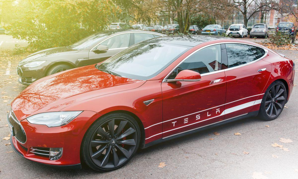 Tesla Altie